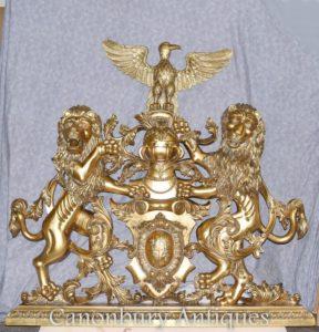 Escudo de armas dorado Castillo inglés Tallado a mano heráldico