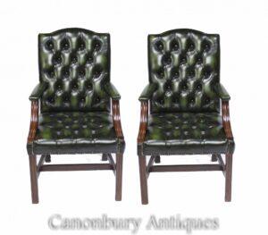 Par de sillones Gainsborough - Oficina con asiento de escritorio de cuero con botones profundos