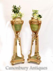 Par de soportes para jardineras Torchere pintados Robert Adam